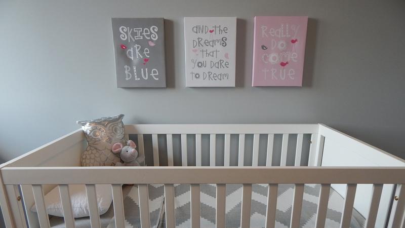 habitación infantil con arte de calidad